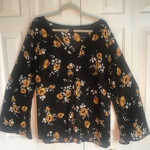 Torrid blouse - flute sleeves - size 2x